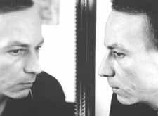 Houellebecq in un ritratto fotografico